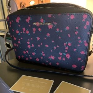Michael kors jet set bag rose pattern